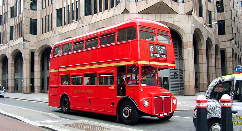Voyage scolaire à Londres bus anglais