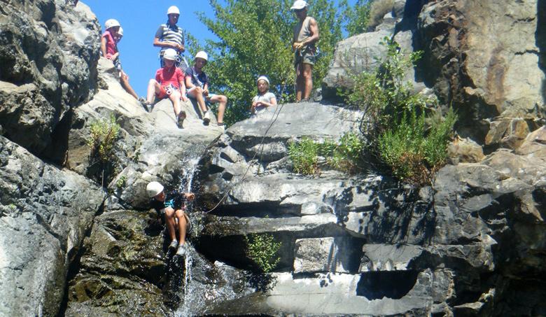 corsica sejours jeunes corse canyoning