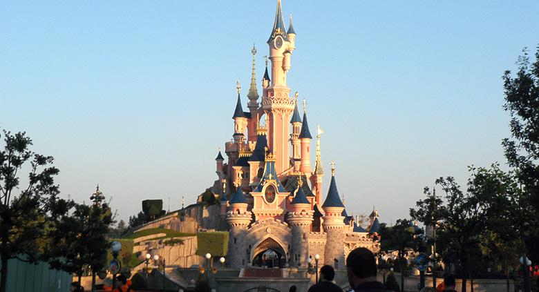 paris parcs attractions disneyland