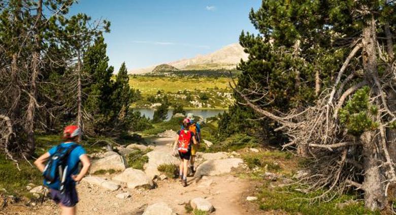 sejours vacances enfants ados randonnees pyrenees